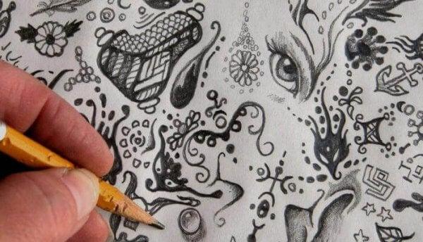 Hva betyr dine tilfeldige kruseduller?