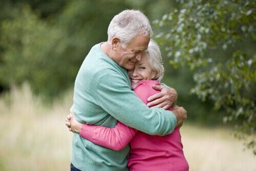 Eldre par gir hverandre fysisk omsorg