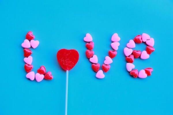 Hva skjuler det seg bak umulig kjærlighet?