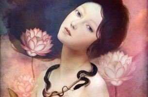 kvinne med blomster