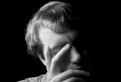 Patologisk sjalusi: Når sjalusi når et farlig ekstremt nivå