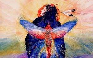 kvinne med vinger