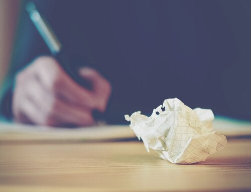 Sammenkrøllet papir
