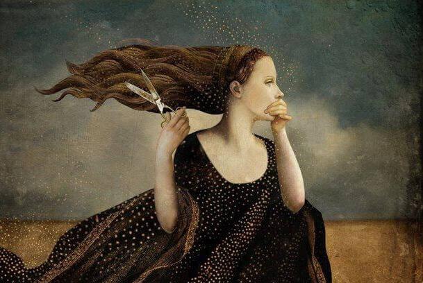 kvinne holder for munnen sin og klipper haret sitt