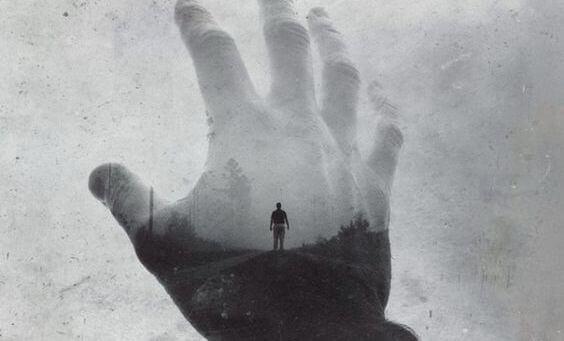 Person i hånd