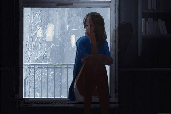 Jente i mørkt hus
