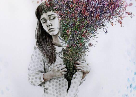 Kvinne med blomster som kommer ut av brystet
