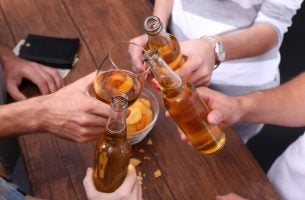 Den fine linjen mellom alkoholisme og en vane