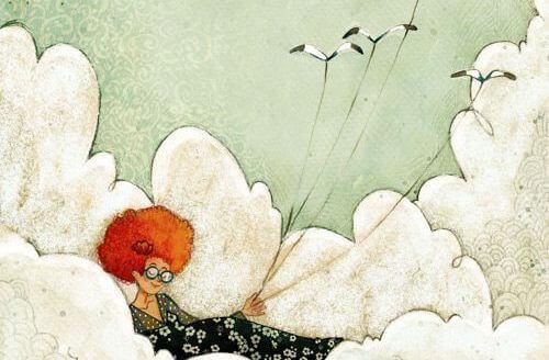 Kvinne ligger i skyene