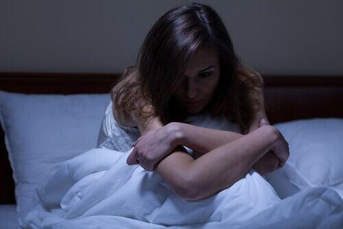 Kvinne med bipolar lidelse