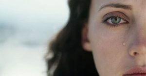 Å finne en avslutning for å begynne igjen - Kvinne i tårer