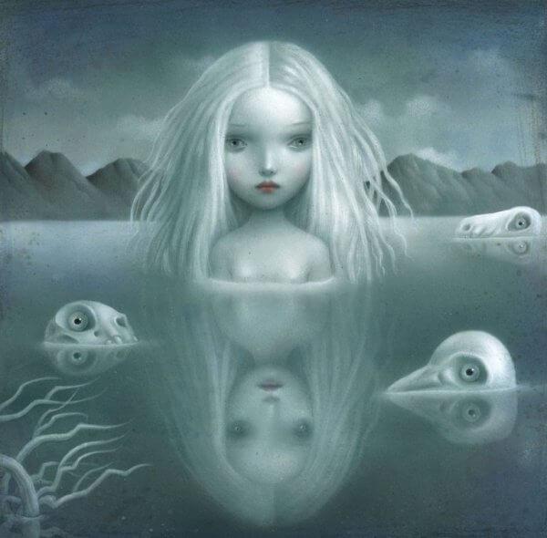 Skummel jente i vannet