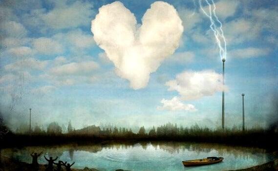 En hjerteformet sky over en innsjø