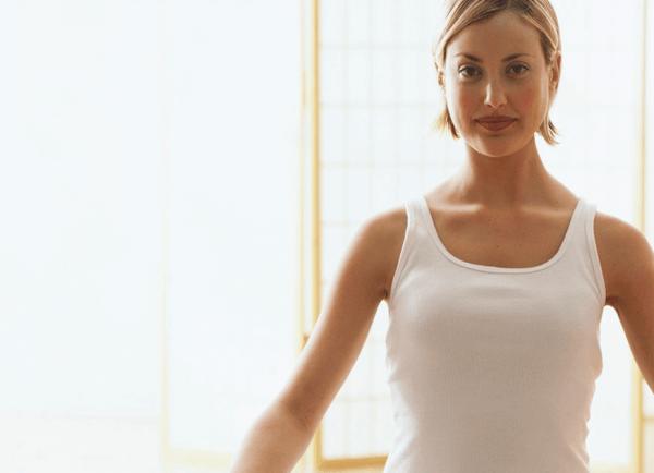 Kvinne puster som et ritual for å bekjempe angst