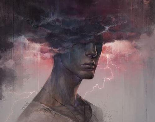 Mann med hodet i de stormfulle skyene vil holde andre ansvarlige