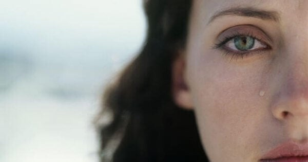 Kvinne med tårer