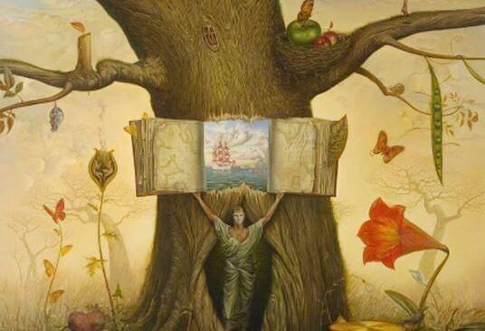 Åpen bok i et tre