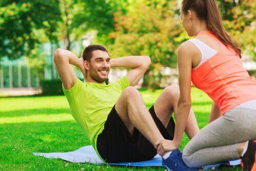 Par trener sammen for å trene hjernen