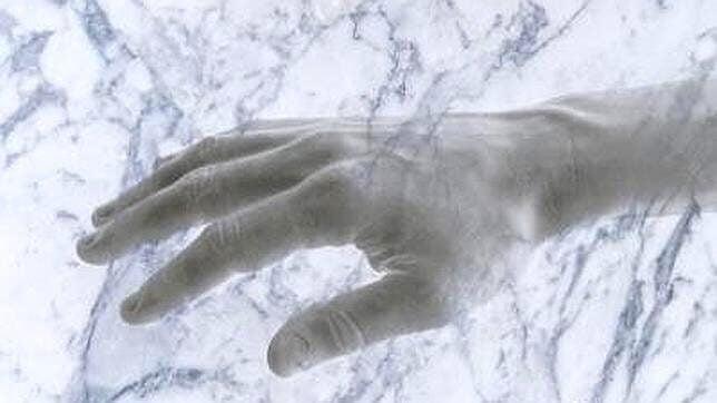 Hånd laget av marmor - illusjon