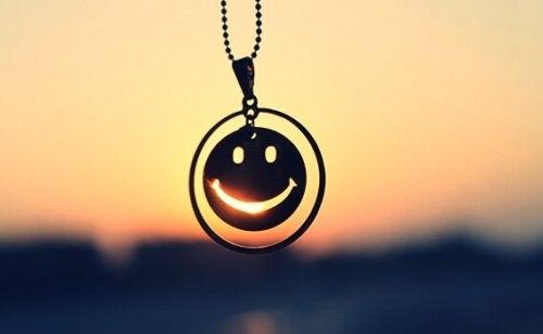 Halskjede med smilefjes