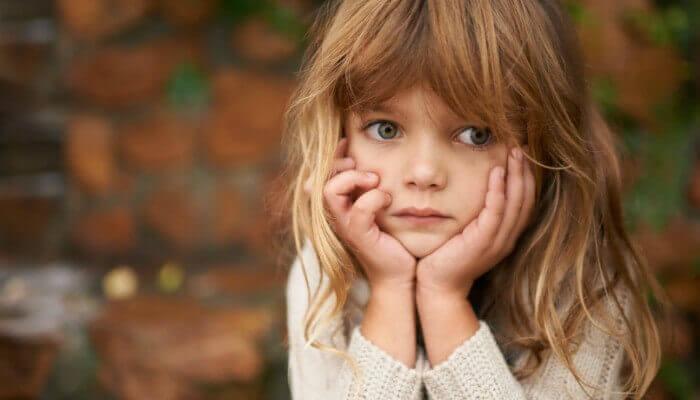 En trist liten jente