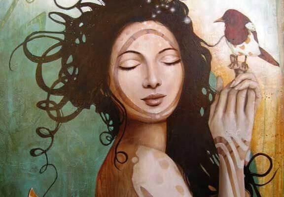 En kvinne og en fugl.