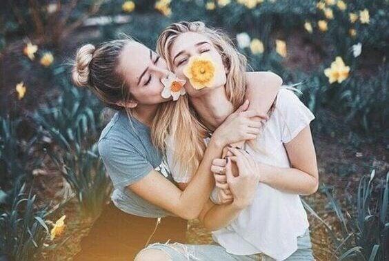 Venner opplever fordelene med å være snill