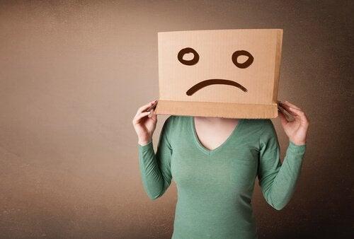 En enkel øvelse for å slutte å føle skam, foreslått av Albert Ellis