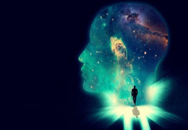 Hode med univers