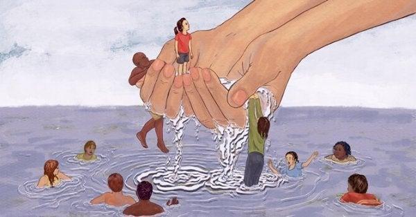 Hånd redder mennesker opp fra vannet