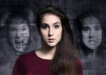 Kvinne hallusinerer