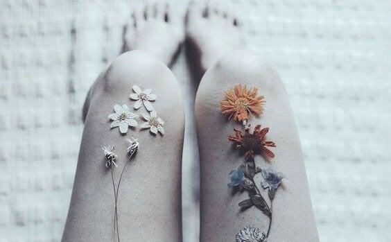 blomster på knærne