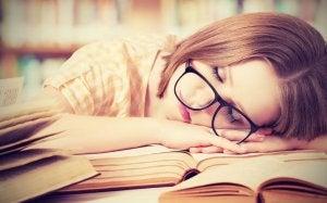 Søvnmangel kan være farlig for hjernen