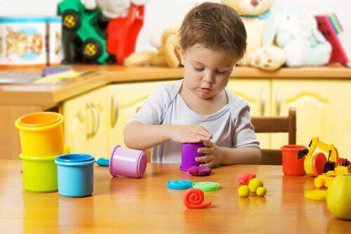 Lek og barns utvikling.