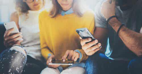 Smarttelefoner – gjør de oss dumme?