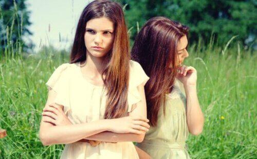Venner er sinte på hverandre