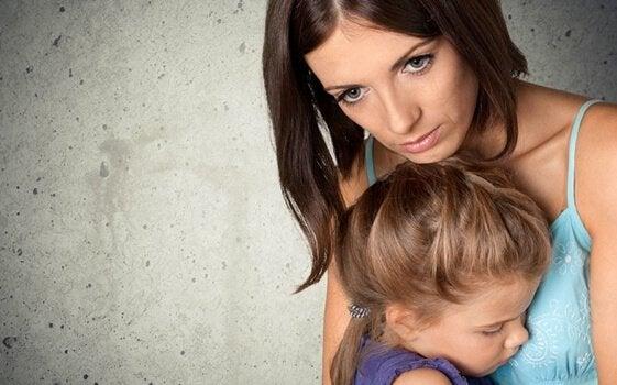 Foreldre og besettelse av å holde barna trygge