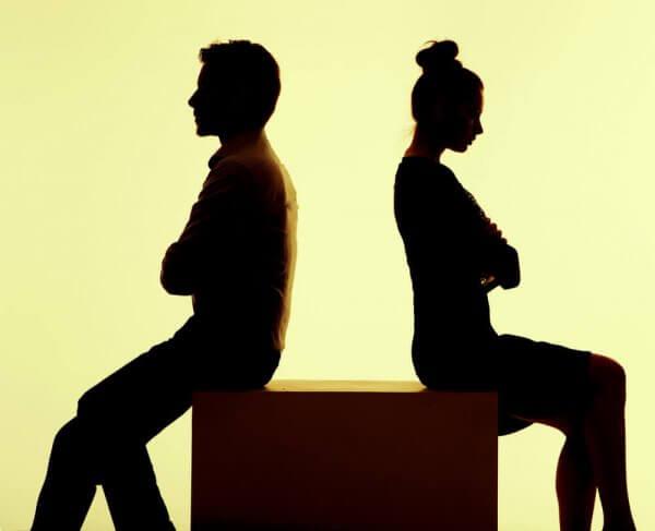 Par snakker ikke til hverandre