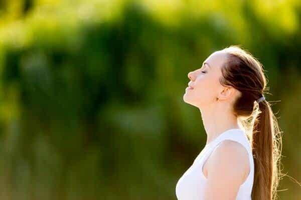 Tre pusteøvelser for å hjelpe deg med å slappe av
