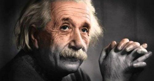 5 sitater av Albert Einstein om personlig vekst