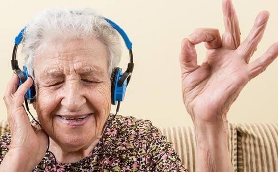Musikk og Alzheimers: en oppvåkning av emosjoner