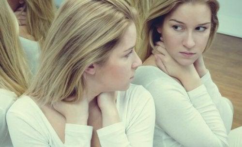Selvfølelse og ego: 7 forskjeller