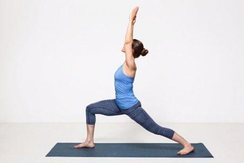 Krigerstillingen nybegynner yoga