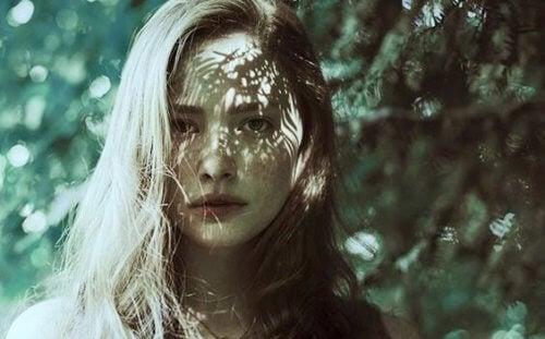Hvordan komme seg etter emosjonell mishandling
