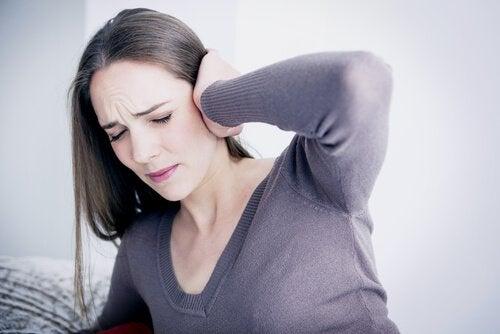 De emosjonelle problemene forbundet med øresus