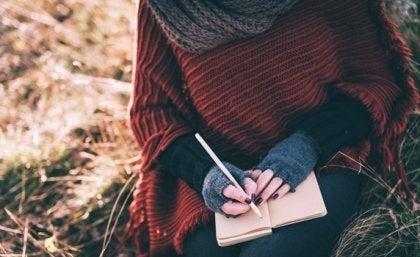 skrive en humørdagbok.
