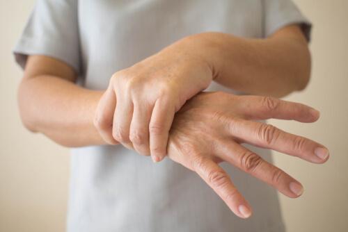 7 tegn på tidlig begynnende Parkinsons sykdom