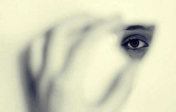 Frykten som får oss til å ønske å være usynlige
