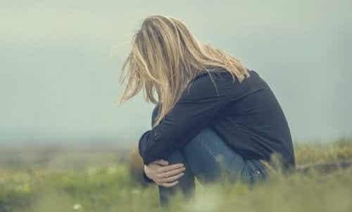 Mangelen på selvfølelse: emosjonell usikkerhet