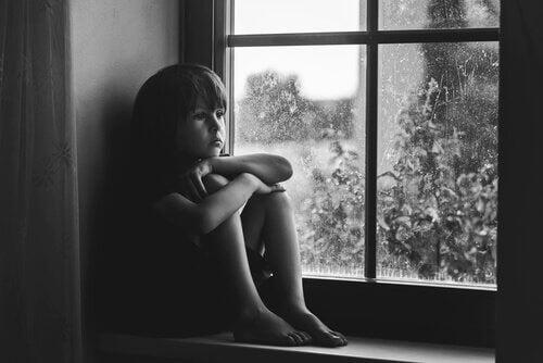 3 tegn på mangel på kjærlighet hos barn